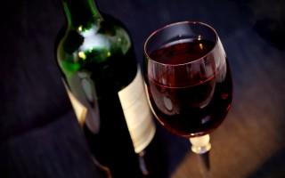 Как самому проверить на качество вино содой в домашних условиях