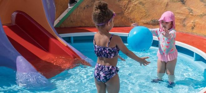 Как и зачем применять соду для бассейна