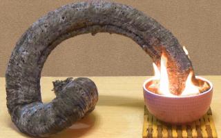 Как вырастить огромную змею из песка: увлекательный эксперимент