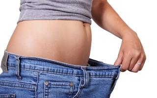 Какие процедуры с содой уберут жир с живота и боков